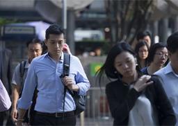 23岁女员工猝死,拼多多解雇目击者,如在香港过劳死会如何处理?